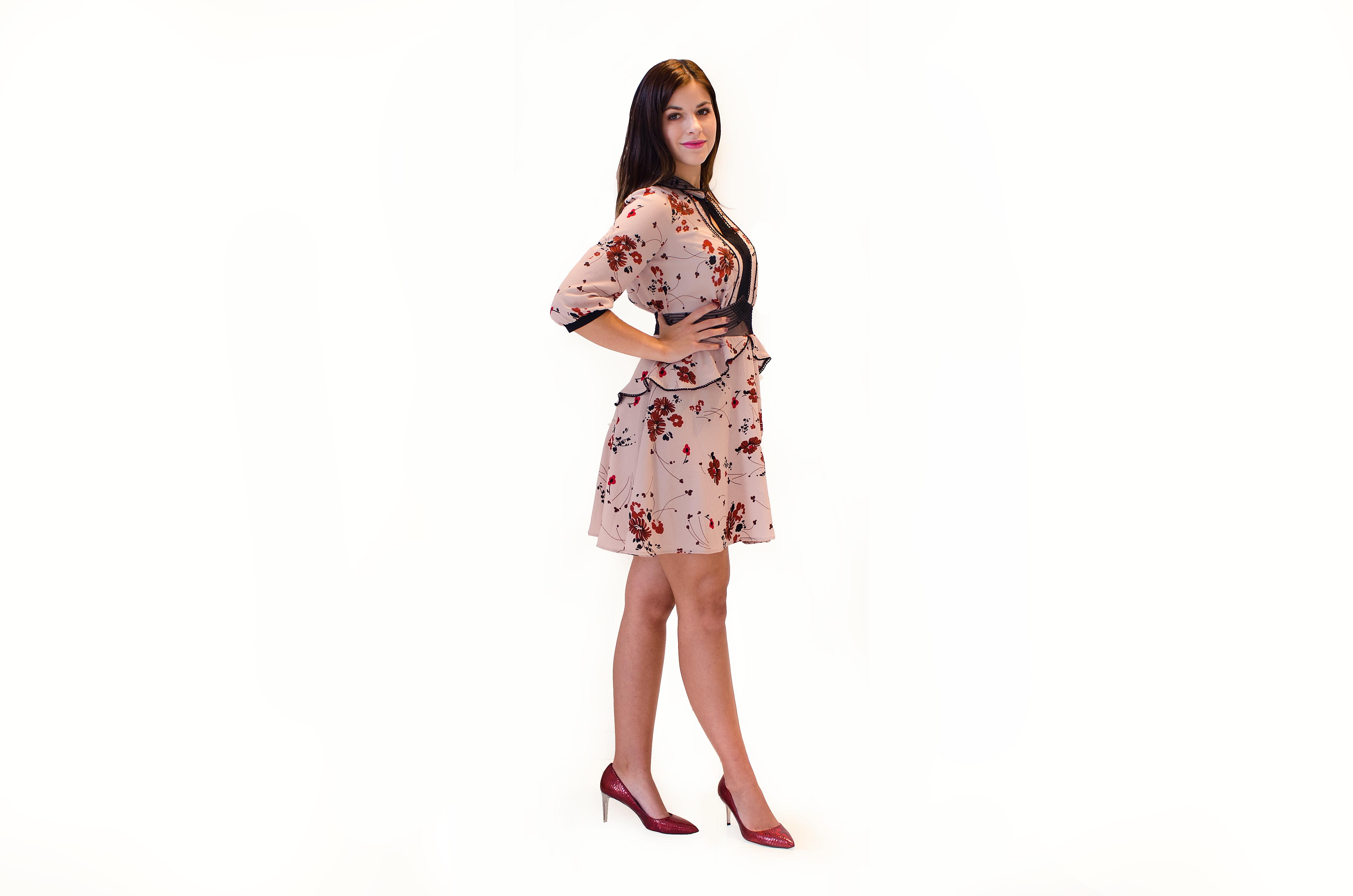 produkt_Starorůžové šaty s motivem květů